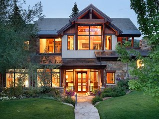 In town, 6 Bedroom Mountain Home with Private Patio, Hot Tub & Views