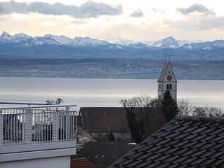 Spacious apartment with stunning views of Lake Constance and the mountains