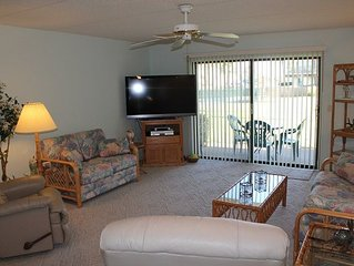Summerhouse, Ocean View - Ground Floor - 2 Bedroom, 2 Bath, Wifi, Flat Screen