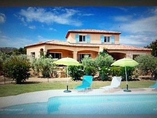 LAST MINUTE-Pays d''Aix en Provence LUBERON-ALPILLES Piscine chauffee