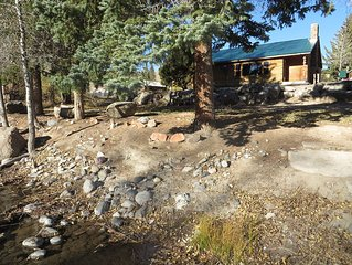 Large Cabin in Dubois: In-town location on the Wind River & close to Yellowstone