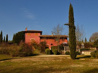 Casa con giardino immersa nel Chianti.