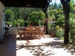 House large enclosed garden, edge of forest, kids welcome, lake, ocean, WIFI