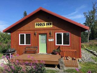 'Fool's Inn' Cabin Next Door To Fishing Fool Charters