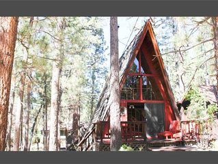 A-Frame Of Mind - Adorable woodsy A-Frame getaway with loft!