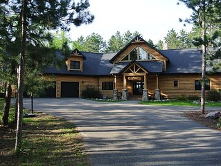 Spacious Five Bedroom Resort-Like Home on Castle Rock Lake