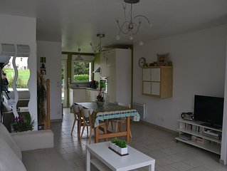 Comfortable, quiet, 200m from the beach and the village center