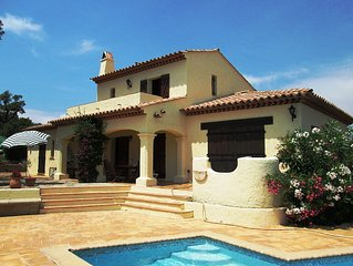 Beautiful Provencal villa with air-conditioning, pool and sea view
