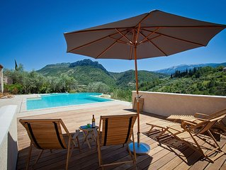 Stunning villa with panoramic views of Saint-Julien and the Mont Ventoux