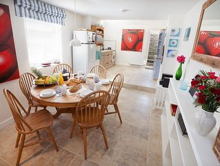Pretty Two Bedroom Cottage With Terrace Garden - Perfect For Families And Couple