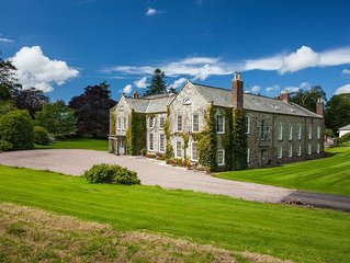 Grade 1 listed mansion with swimming pool and tennis court in rural North Devon
