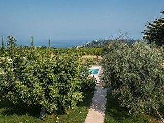 Casa con piscina vista mare a  soli 3 km dalle spiaggie dell'Adriatico