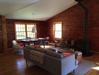 Charming, Tranquil Catskills Log Home.