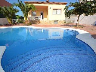 Villa climatisee avec piscine privee, proche des jolies plages de Miami Playa
