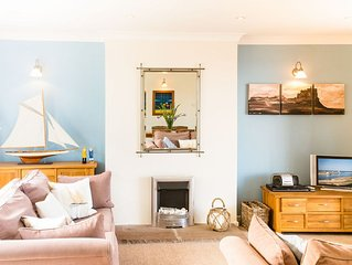 FARNE VIEW - a chic seaside retreat with harbour views over to the Farne Islands