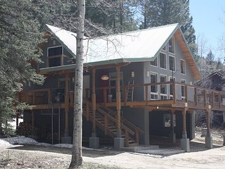 Beautiful Mountain Retreat Just Minutes From the Slopes!!