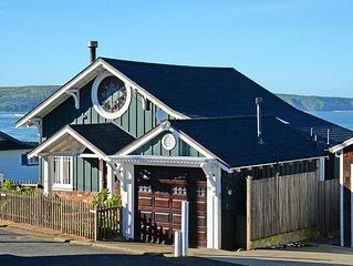 Romantic Coastal Cottage