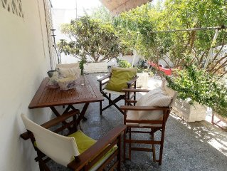 House with garden near the sea & the city center, ideal for groups and familys.