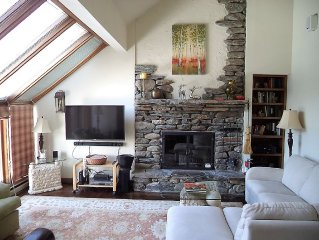 Gorgeous Mountaintop Hawk Townhome:Spectacular Views; Okemo/Killington/Echo Lake