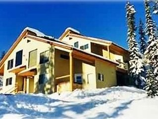 The Bellevarde Chalet Unit C ~ Ski in/Ski Out with Private Hot Tub