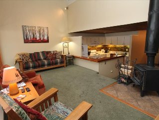 2 BR w/loft Snowcrest Condo!  Across from base area.  5th nt free!  Hot tub.