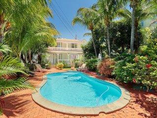 Côte Ouest - Grande Villa avec Piscine Privative et Jardin pas loin de la pla