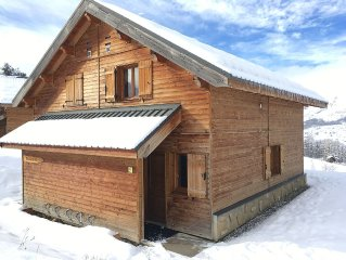 Wood chalet 'Le Bellevue' 8 Persons in 3 * Residence with Heated Pool