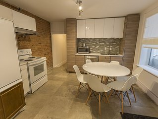 Large 4 Bedroom apartment 2 Full Bathrooms Downtown Montreal Free parking