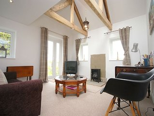 Hillside Cottage, Bury -  a cottage that sleeps 4 guests  in 1 bedroom