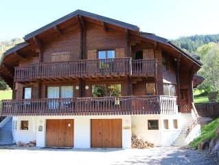 Modern and Luxurious 4 Bed Chalet close to Chatel and ski lift
