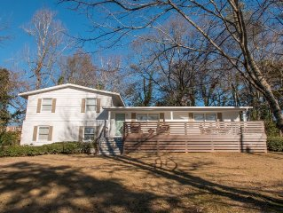 5 bedrooms close to it all!! 1/2 mile to AUBURN UNIVERSITY campus!