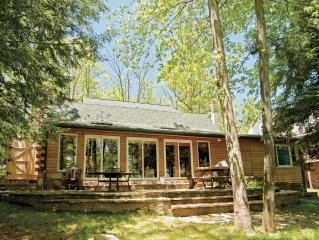 Look closer- this cozy cabin is more spacious than it seems. Bear Creek Lodge m