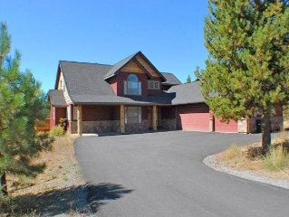 Luxury lodge style home on Big Deschutes River. Peace and solitude as you watch