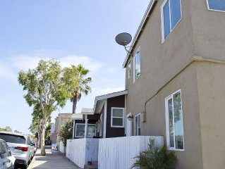 2 Story Townhouse Located Steps from the Beach