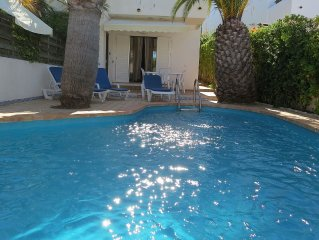 Fabulous Beach Townhouse with private swimming pool