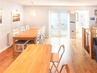 Contemporary 3 Bedroom House In Wadebridge With Private Parking