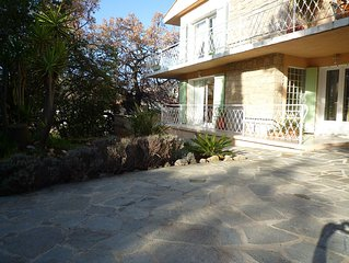 Superb ground villa entirely renovated in the hills of Hyeres