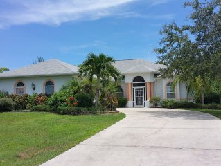 Tranquil retreat with heated pool, close to the best beaches and fishing in FL