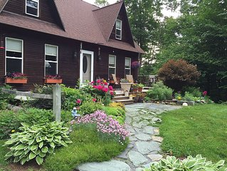 Lovely Comfortable Home 2 minutes to Sugarbush with Hot Tub.