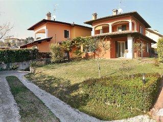 Casa Mariangela - Apartment for 8 people in Moniga del Garda