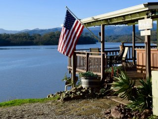Lakefront Cottage, Desirable Bee Rock Location - 1 of 7 Private Peninsula Units
