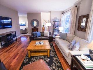 Large Modern & Beautiful Home with hottub in Orenco, Hillsboro, Portland Oregon!