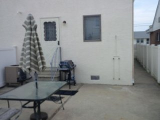 3 BR House, 2 Blocks To Beach, Nice Backyard For Grilling