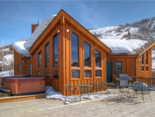 Dog-Friendly Home - Steps to the Slopes - Awesome Views - Private Hot Tub