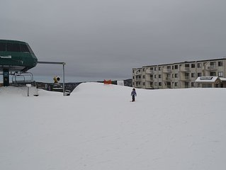 Slope Side, Great Prices, Ski-in/Out, In Village, Pvt Parking (ML 142)