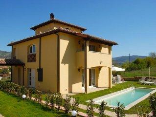 Villa in Montefioralle with 5 bedrooms sleeps 10