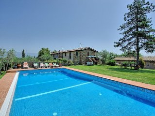 Villa in Cavriglia with 4 bedrooms sleeps 12