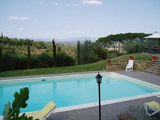 Villa in Lucignano with 4 bedrooms sleeps 8