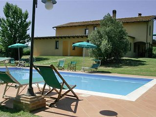 Apartment in Cerreto Guidi with 1 bedrooms sleeps 4