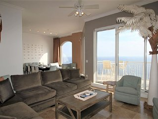 Indigo Penthouse+Private Poolside Cabana & Beach Service!* Book Now!!